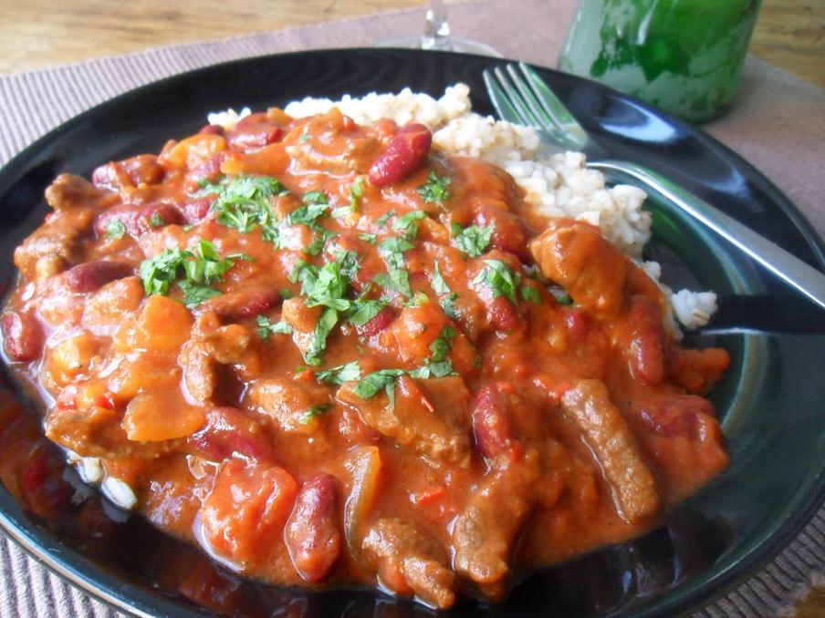 pitkään haudutettu chili con carne
